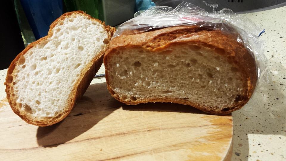 chleb bezglutenowy świeży